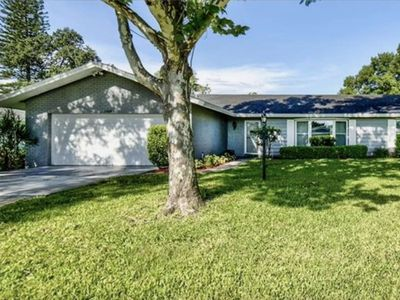 Photo for Lovely Spacious Pool Home Paradise in the heart of NW Bradenton ! Only 12 Minutes to the Beach !