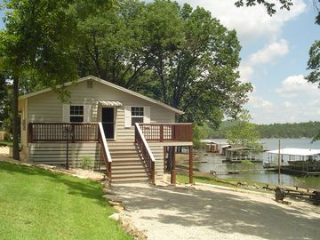 The Cottage At Hideaway Table Rock Lake Front