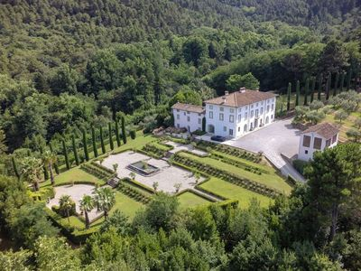 Photo for Large vacation villa rental Tuscany, lucca, pool, Wi-Fi, AC, wedding