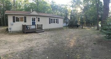 mi fish rent houghton lake detail family vacation cabin resort cottages cottage whitetail for