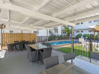 Photo for One Bedroom Apartment in Trinity Beach