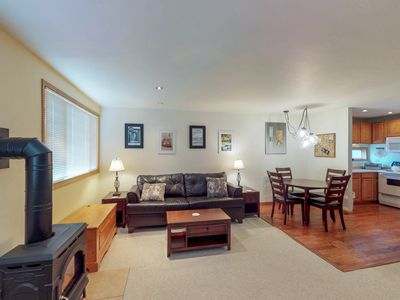 Photo for Cozy ski-in/ski-out studio w/ shared hot tub in ideal location