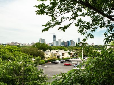 Photo for Amazing Skyline View, Walk to Barton Springs, Close to Everything, Free Parking!