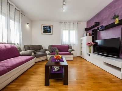 Photo for Apartment LAROTI  confortable apartment with balcony and sea view -6 people