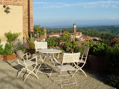 Photo for Sunny courtyard with panoramic views of the historic village center. For sole use