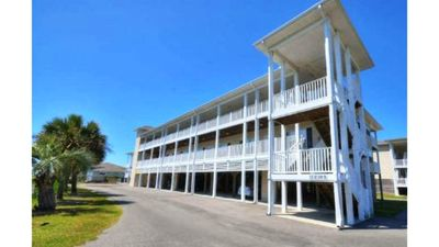 Photo for Gorgeous 3 Bedroom, 2 Bath Condo that is perfect for your next beach getaway