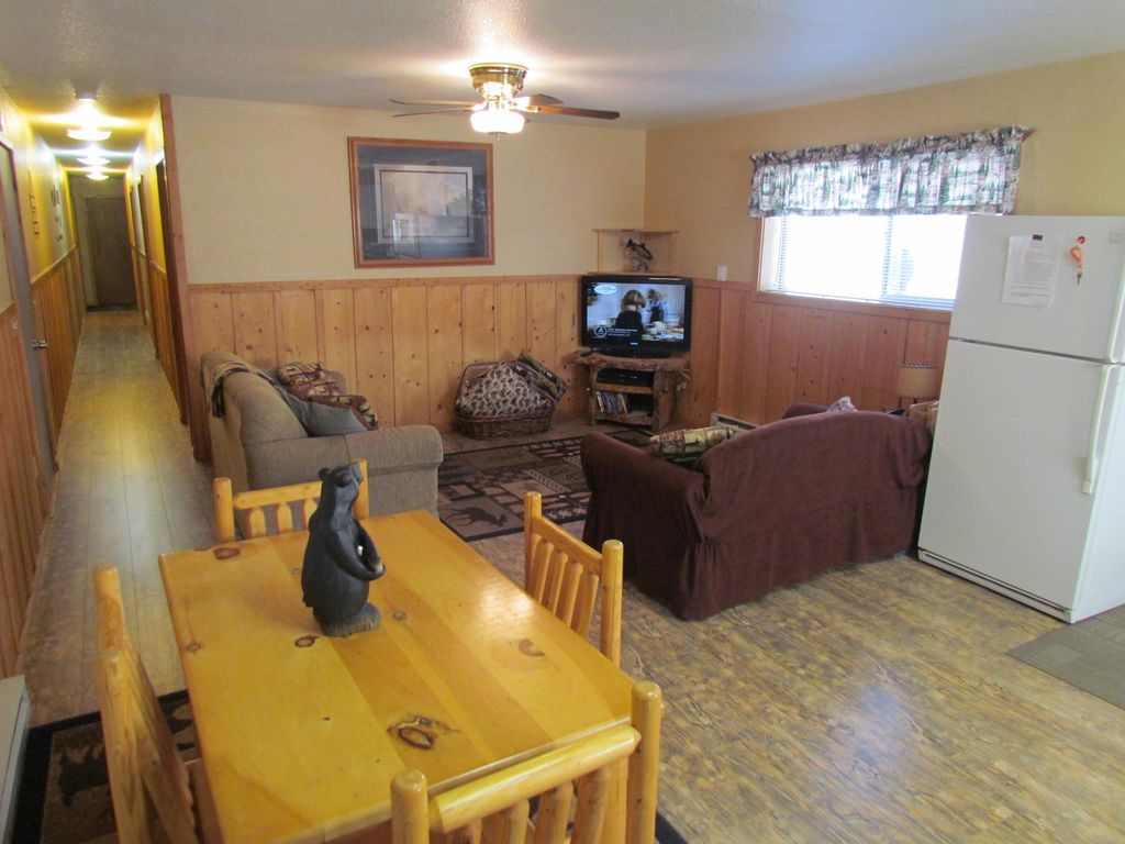 A bunkhouse in riggins idaho homeaway for Riggins idaho cabin rentals
