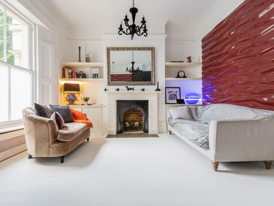 Photo for Authentic and Bright 2bed home in Lovely Fulham