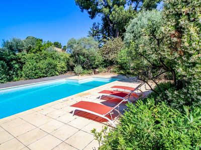 Photo for Luxury villa in Sanary-sur-Mer with private pool. 0.2 ml to  the beach