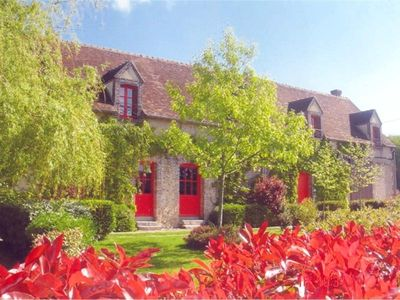 Photo for Gite Neuilly-sur-Eure, 5 bedrooms, 14 persons