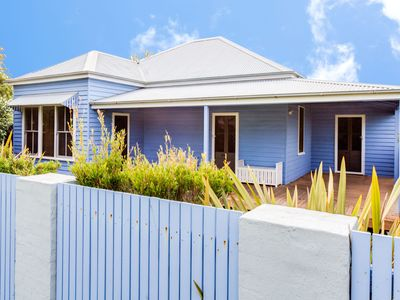 Photo for Blue Belle at Huskisson -  4pm Check Out Sundays