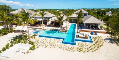 Hawksbill- lovely 10 bedroom beachfront villa on Grace Bay Beach