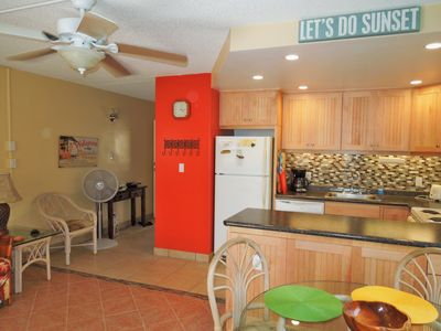 Enjoy the tropical colors of Maui brought inside... New remodel throughout..