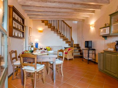 Photo for Comfortable cottage in the heart of Chianti