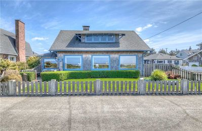Photo for Charming Oceanfront Home on the Prom with Yard