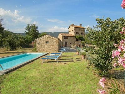 Photo for 4 bedroom Villa, sleeps 8 in Sant'Angiolo with Pool and WiFi