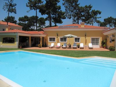 Photo for Villa with heated private pool 10 people Aroeira Golf near the beach