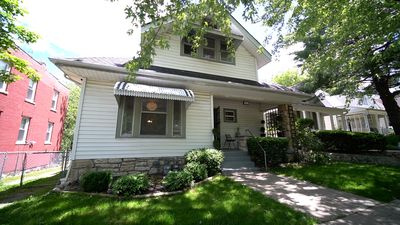 Photo for Duplex Second Floor - Southmoreland, KCMO - Easy Access to All KC Offers