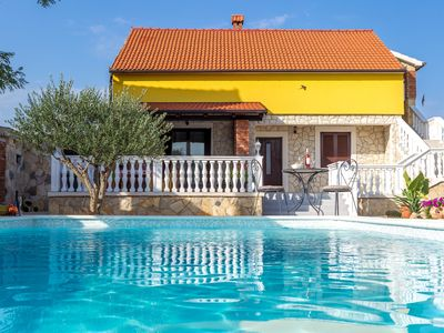 Photo for Holiday home Iva with pool, Zadar county