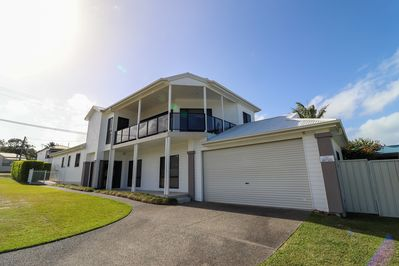 Large 5 bedroom house in Lake Macquarie