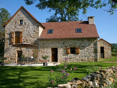Photo for Gîte Quercy, authentic charm, great comfort, garden, swimming pool