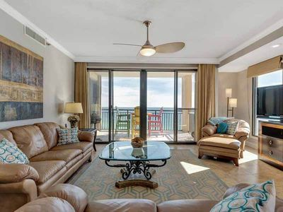 Photo for Inviting, gulf front condo, Beach setup included, Minutes to entertainment