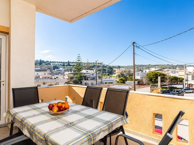 Photo for Welcoming, bright apartment, centraly located, ideal for your perfect vacation!