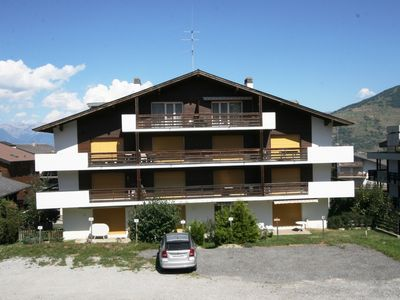Photo for Cosy accommodation located 200 meters from the ski lifts