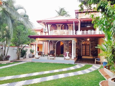 Double Room with Balcony + Ac + 1 to 8 People, Entire home - Blackpearl Villa