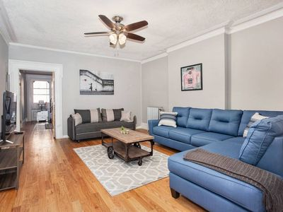 Photo for AMAZING 2BR/1BA with Yard!! Min from NYC! Sleeps 8