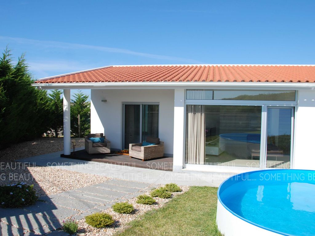 Air-conditioned accommodation, 50 square meters , Sao Joao Das Lampas
