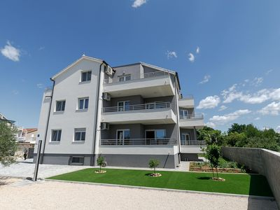 Photo for Newly built apartment with private balcony near the sea