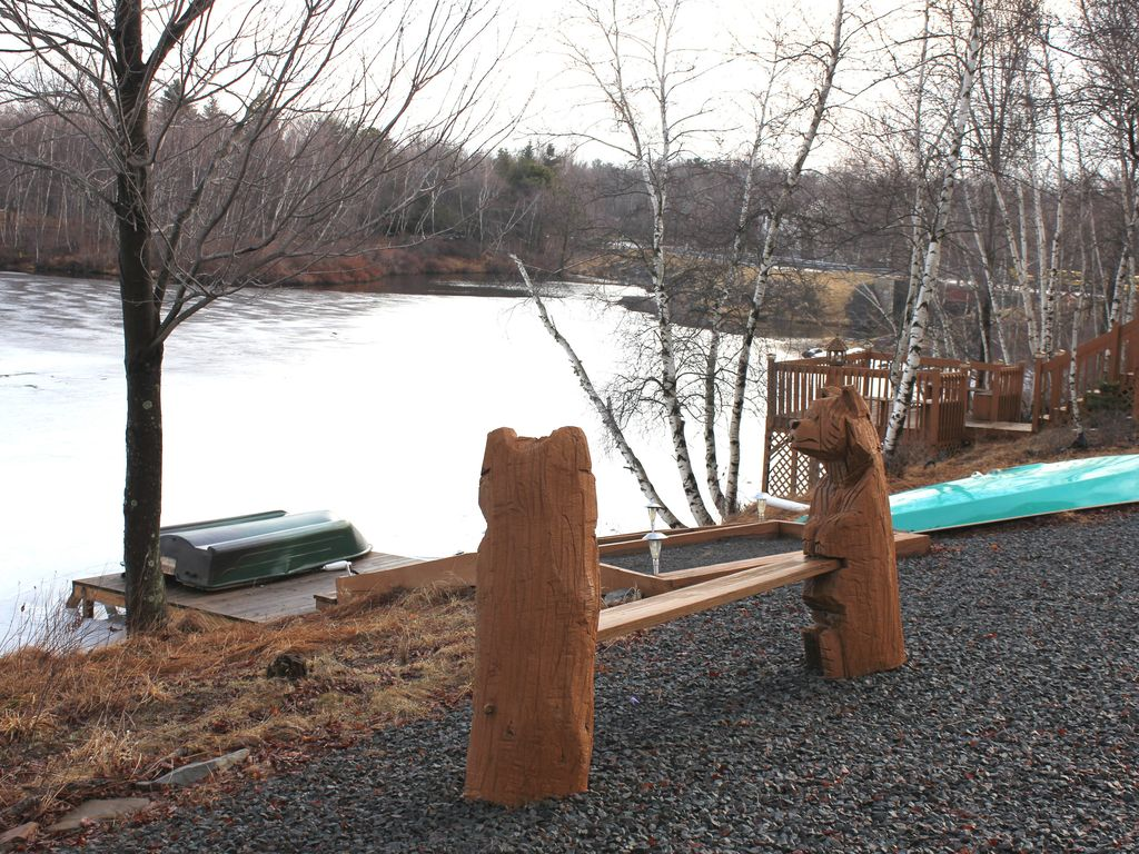 Make our beautiful lakefront house your mag homeaway for Long pond pa cabin rentals
