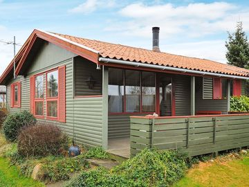 Search 200 holiday rentals