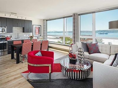 Photo for Belltown Waterfront Suite 1BD 6 F