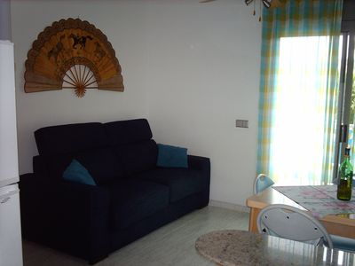 Photo for Quiet apartment with pool, 100 m distance from the sea!