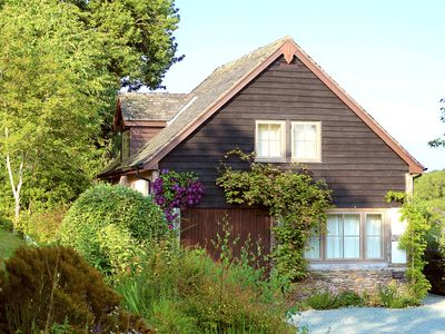 Photo for Cosy, traditional-style cottage - for two bedrooms see our other listing