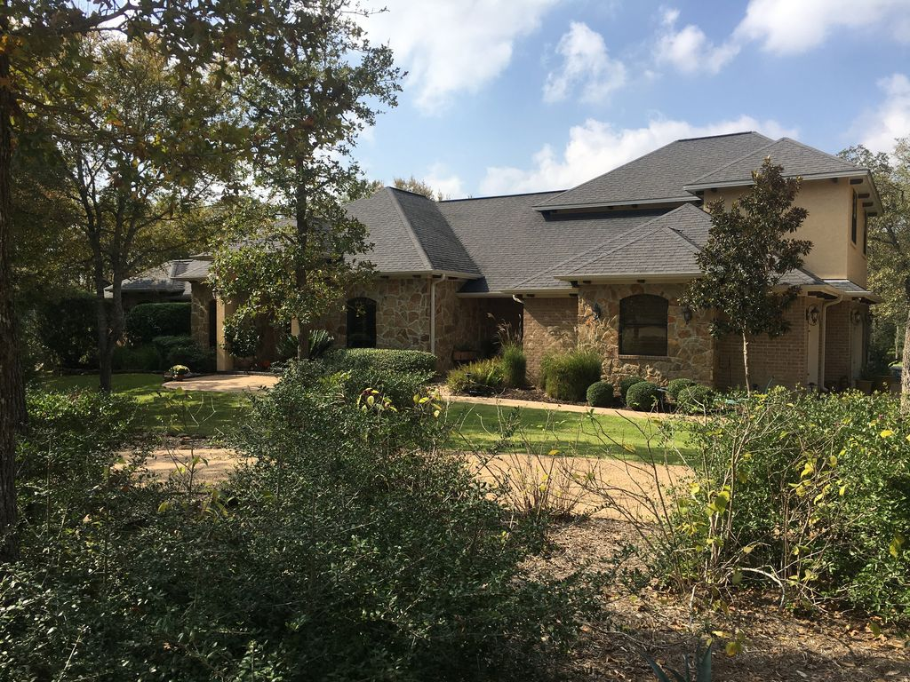 Home With 3 Bedrooms 2 Baths Available Including A Hot Breakfast For 5 Guests College Station