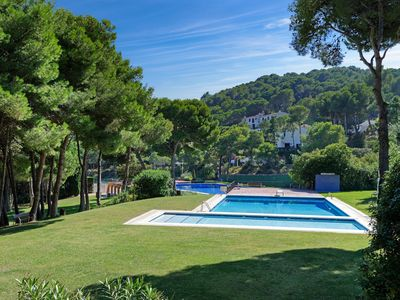 Photo for 4 bedroom Villa, sleeps 8 in Tamariu with Pool and Air Con