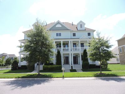 Photo for Beautiful Bayside Townhouse - Close To Sunridge Tennis And Pools