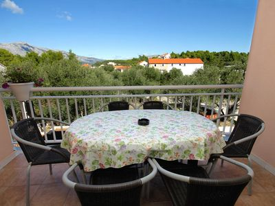 Photo for Two bedroom apartment with terrace Lumbarda (Korčula)