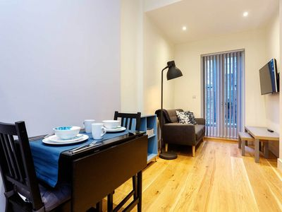 Photo for Calm and contemporary flat close to markets, galleries and the tube (Veeve)