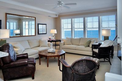 Ample seating for the whole family overlooking the gulf.