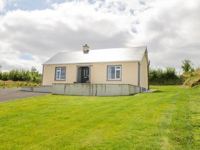 Photo for CLOONESARN, pet friendly in Ballinamore, County Leitrim, Ref 945451