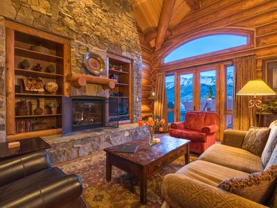 Photo for NEW! Ski-in, Ski-out Cabin with Private Hot Tub, Amazing Views: Mountain Memories at Tristant