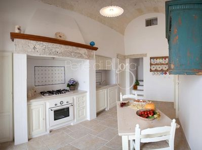 Kitchen equipped (1 of 3 in the palazzo) with local ceramic pottery