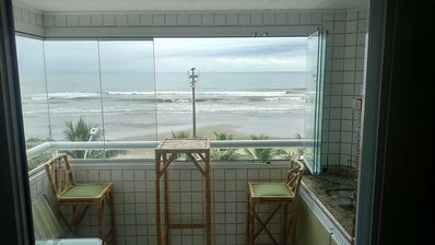 Photo for APTO BEAUTIFUL IN FRONT OF THE SEA + BARBECUE IN THE BALCONY + FREE WIFI