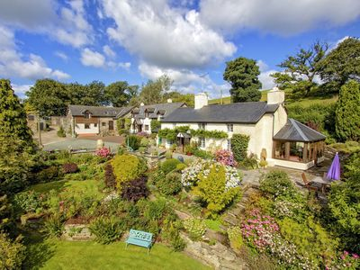 Photo for SHEEP DIP, pet friendly, with open fire in Llanfihangel, Ref 960334