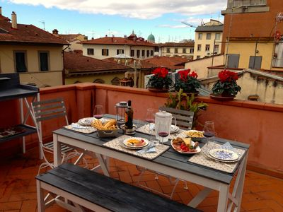 Photo for Luxury apartment in the centre of Florence with private terrace, A/C & Wi-Fi