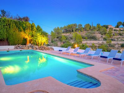 Photo for Luxe villa with heated pool, in green nature with magnificent sea views